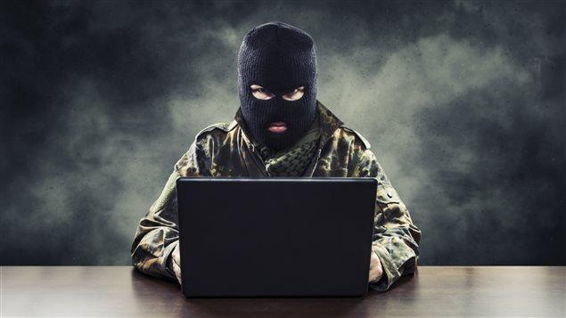 Personne n'est à l'abri des hameçonneurs et des pirates informatiques. Photo Credit: iStock