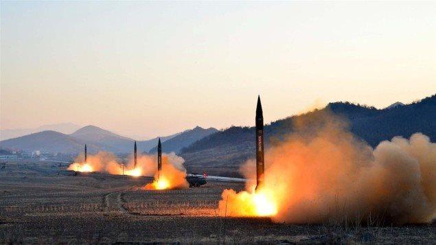 Des missiles balistiques de la Corée du Nord Photo Credit: Getty Images / STR / Getty