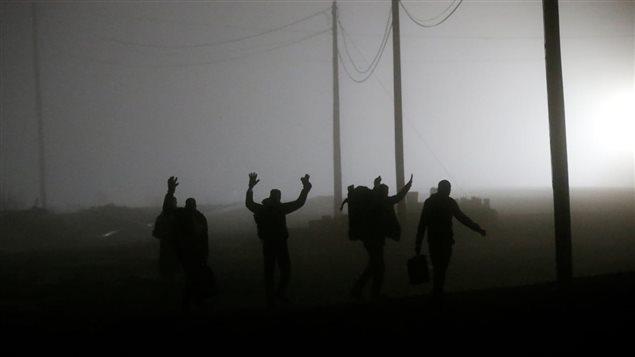 Près de 200 000 Salvadoriens aux États-Unis, dont le statut spécial vient d'être résilié au début du mois par Donald Trump, tenteront-ils d'entrer illégalement au Canada? Photo Credit: Reuters/Chris Wattie