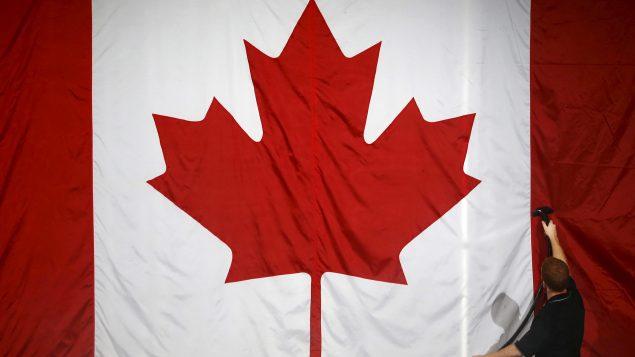 Au Canada Le Salaire D Un Mois De Travail Pour Un Employe Moyen