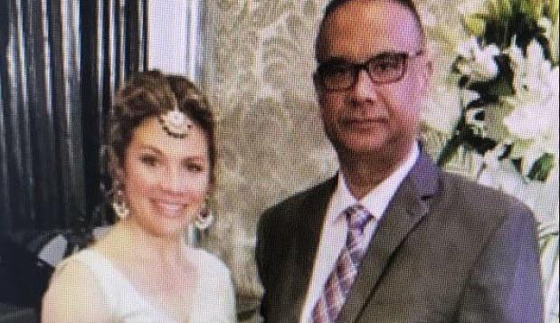 La photo prise lors d'une activité de la délégation canadienne avec l'industrie du cinéma indien, à Mumbai, où l'on voit Jaspal Atwal en compagnie de la femme du premier ministre canadien. Photo CBC News