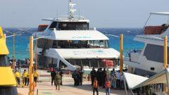Des secouristes arrivent au quai où une explosion s'est produite sur un ferry à Playa del Carmen, dans l'état de Quintana Roo, au Mexique mercredi. (AFP / Getty Images)