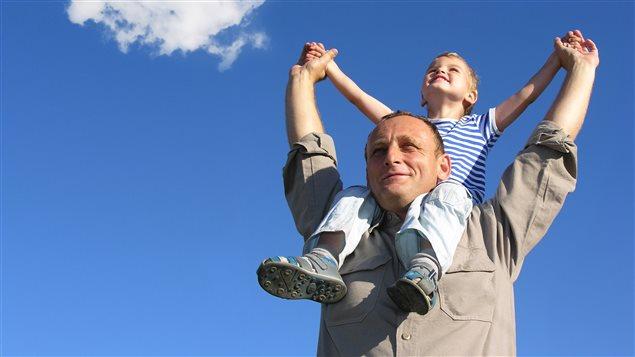 Un père et son fils Photo Credit: IS / iStock