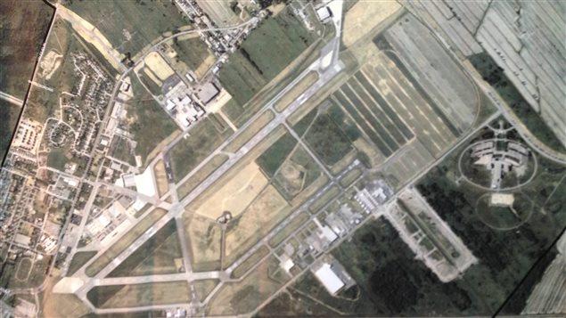 Aéroport de Saint-Hubert au Québec près de Montréal. Photo Credit: Radio-Canada