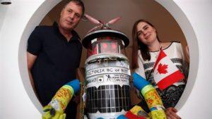 David Smith et Frauke Zeller : les parents de Hitchbot.