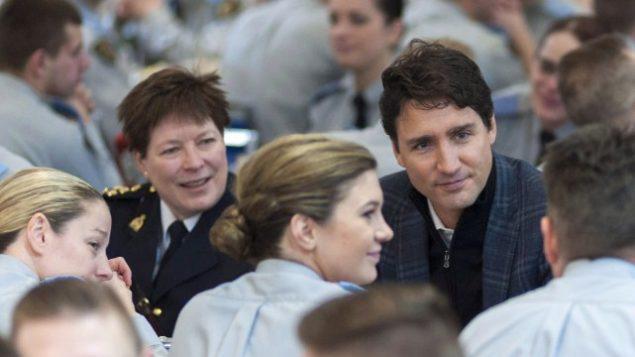 Brenda Lucki, à gauche, en compagnie du premier ministre Justin Trudeau et de sa femme, Sophie Grégoire. PHOTO ARCHIVES LA PRESSE CANADIENNE
