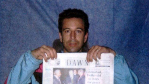 Daniel Pearl alors qu'il était kidnapé AP