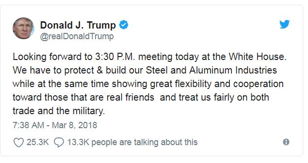 Dans un tweet, jeudi matin, Trump écrivait : « Dans l'attente de 15h30. réunion aujourd'hui à la Maison Blanche. Nous devons protéger et développer nos industries de l'acier et de l'aluminium tout en faisant preuve d'une grande souplesse et d'une grande coopération envers ceux qui sont de vrais amis et nous traitent équitablement tant pour le commerce que pour l'armée.»
