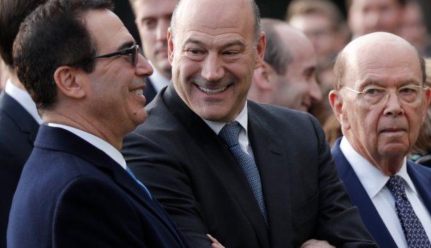 Steven Mnuchin, secrétaire américain au Trésor, et le président du Conseil national de l'économie Gary Cohn et le secrétaire au commerce, Wilbur Ross, à Washington le 24 janvier dernier - Photo: Carlos Barria/Reuters