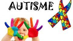 La compréhension de l'autisme a récemment grandement évolué, d'une pathologie jadis considérée comme unique, rare et sévère, vers un regroupement de différents troubles aux symptômes communs.