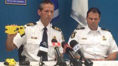 La police de Québec annonce en 2016 qu'elle allait utiliser davantage le pistolet à impulsion électrique. Photo : Radio-Canada/Jean-François Nadeau