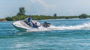 Légende Embarcation de location pour touristes près de Cayo-Cayo sur l'île cubaine - Photo : Sunwing