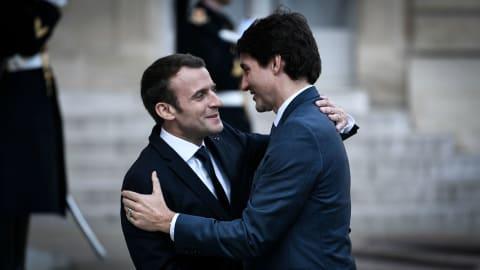 Le premier ministre canadien Justin Trudeau et le président français Emmanuel Macron, lundi, à l'Élysée. Photo : Radio-Canada
