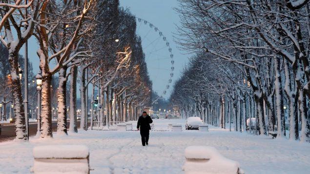 Paris ensevelie sous la neige le 7 février dernier - Photo : Radio-Canada