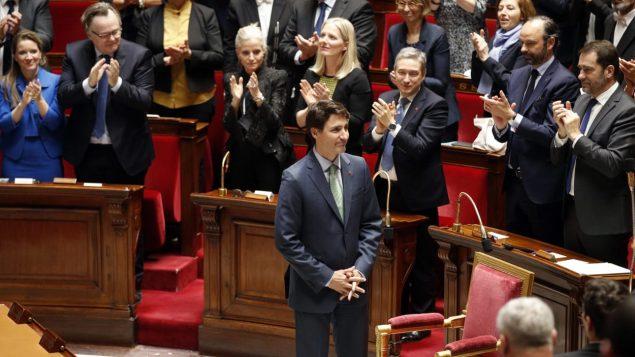 Le premier ministre Trudeau devant les élus français Photo : Reuters/Benoit Tessier