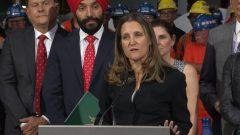 Chrystia Freeland dans une d'acier à Hamilton en Ontario le 29 juin 2018.