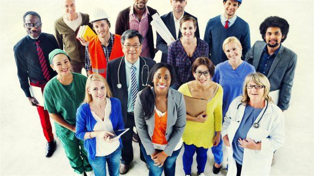 Des immigrants qui occupent différents métiers