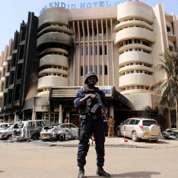 En mission humanitaire - Épisode 7 : En mission au Burkina Faso, pays des Africains intègres