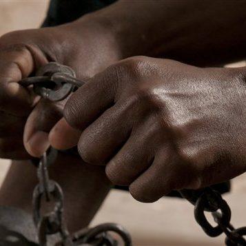 En mission humanitaire - Épisode 2 : En mission au coeur du vaudou et des esclaves