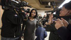 La jeune Saoudienne Rahaf Mohammed après sa conférence de presse à Toronto.