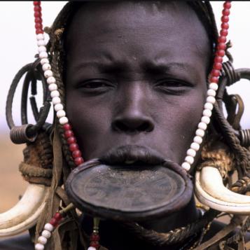 En mission humanitaire - Épisode 6 : En mission sur les pas des «femmes à plateaux» de l'Éthiopie