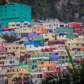 En mission humanitaire - Épisode 5 : En mission en Haïti entre l'enfer et les insectes