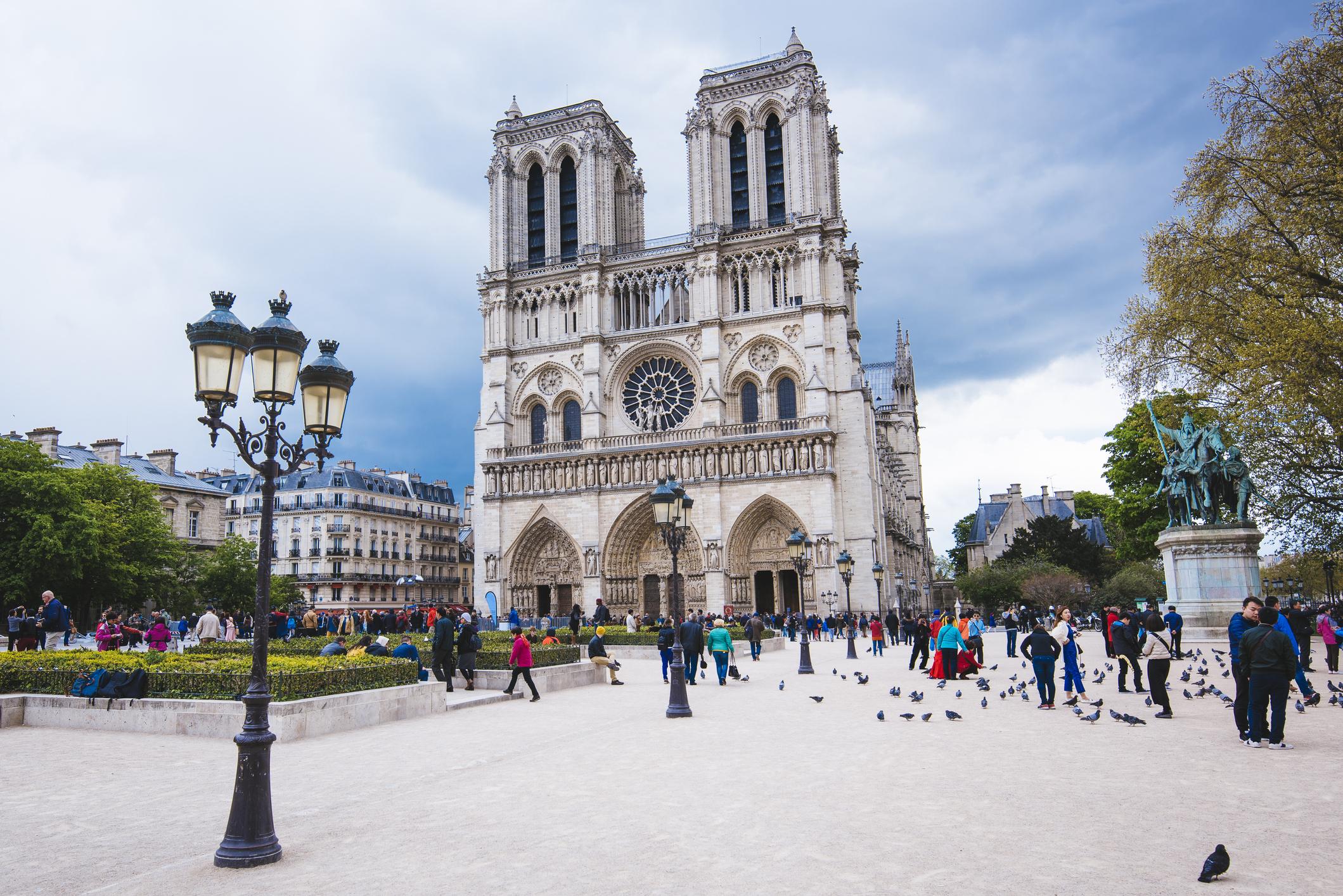 La cathédrale Notre-Dame n'était pas assurée