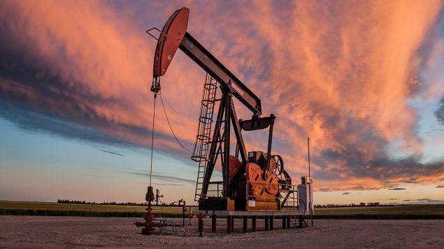 Crise pétrolière en Alberta, le nettoyage des vieux puits devient problématique