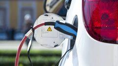 Si le gouvernement fédéral offre 5000$ pour l'achat d'une voiture électrique, le gouvernement provincial rajoute 3000$ comme incitatif - Photo : iStock