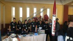 L'équipe de l'École nationale polytechnique d'El Harrach (Algérie) est arrivée première dans la compétition interuniversitaire algérienne en aéronautique qui s'est tenu les 16 et 17 décembre à l'université de Blida (Algérie) – Photo : Courtoisie