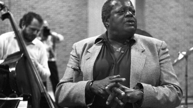 Célébration de la carrière légendaire du pianiste de jazz Oscar Peterson