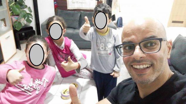 L'homme âgé de 43 et père de 3 enfants âgés de 6 à 11 ans a été transféré aux services d'urgence au dixième jour de son arrivée en famille au Canada - Photo : Facebook/Mohamed Bouras