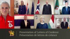 La Gouverneure générale du Canada, Julie Payette a reçu, au cours d'une cérémonie virtuelle tenue le 13 octobre dernier, les lettres de créance des ambassadeurs de Thaïlande, des Pays-Bas, de Hongrie, de Norvège, d'Irlande et d'Algérie - Twitter/GG