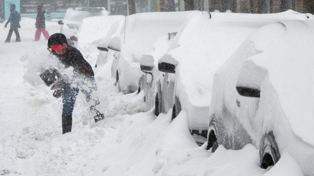 Première tempête de neige de l'année prévue cette fin de semaine au Québec