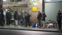L'application de l'article du décret instaurant le couvre-feu de 20 heures à 5 heures est suspendue jusqu'au 5 février pour les sans-abris - La Presse Canadienne / Ryan Remiorz