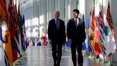 Justin Trudeau et Joe Biden se sont entendus pour tenir une rencontre bilatérale dès le mois prochain - Photo d'archive : Visite de Joe Biden en tant que vice-président à Ottawa le 9 décembre 2016 - Reuters / Chris Wattie