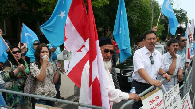 Manifestation de Ouïghours devant le consulat de Chine à Toronto le 05.07.2012 - Photo : La Presse Canadienne / Adam Miller