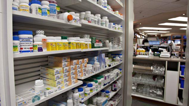 Le coût des médicaments pour traiter les maladies rares peut varier de 100000 dollars à plus de 2 millions de dollars par année par patient - Photo : La Presse Canadienne / Jacques Boissinot