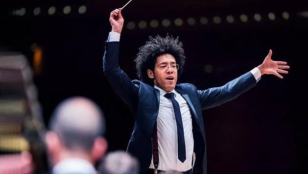 Rafael Payare, 40 ans, sera ainsi le neuvième chef de l'OSM succédant à Kent Nagano en poste depuis 2006 - Photo : Antoine Saito / Orchestre symphonique de Montreal