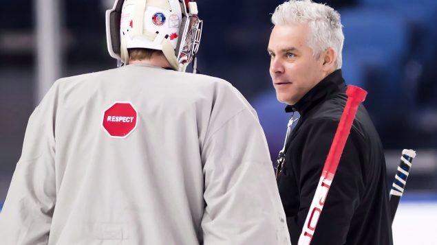 Âgé de 47 ans, Dominique Ducharme assurait les fonctions d'entraîneur adjoint depuis 2018 - La Presse Canadienne / Nathan Denette