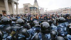 Heurts entre policiers et manifestants contre l'incarcération de l'opposant Alexei Navalny - Moscou 31.01.2021 - Photo : AP Photo / Alexander Zemlianichenko