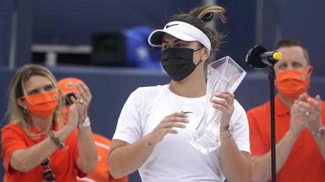 Tennis : la COVID-19 empêche Bianca Andreescu de participer au tournoi de Madrid