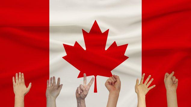 Canada : la résidence permanente pour 90 000 étudiants et travailleurs étrangers