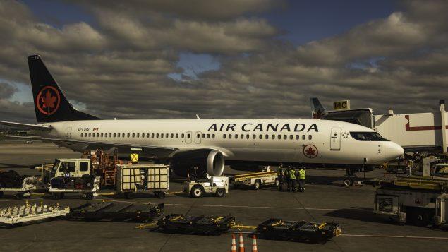 Prêt de 5,9 G$ d'Ottawa à Air Canada :les clients seront-ils enfin remboursés?