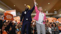 الحملة الانتخابية في أونتاريو على أشدها وارتفاع أسهم أندريا هورواث/ زعيم الحزب على المستوى الفدرالي ججميت سينغ مع أندريا هورواث/راديو كندا