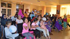 مواطنون يشاركون في الاحتفال بعيد كيبيك الوطني في المركز الاسلامي في اوتاوي/المركز الاسلامي في اوتاوي