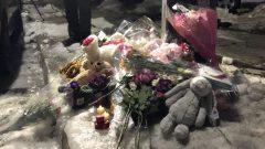 زهور ودمى أمام المنزل الذي دمّره الحريق في مدينة هاليفاكس/Radio-Canada / Olivier Lefebvre