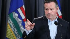 جيسون كيني رئيس حكومة ألبرتا (أرشيف) -The Canadian Press / Dave Chidley