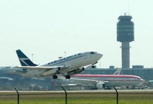 مطار فانكوفر المطار الثاني من حيث الأهمية في البلاد. (أ ف ب/كاترين أتكينسون)