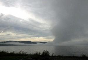 شاشة ضبابية ترتفع على بحيرة Supérieur إحدى البحيرات الكندية الخمس الكبرى (كنديان برس)